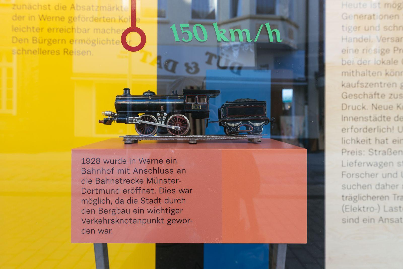 Schaufensterausstellung_Detailansicht II